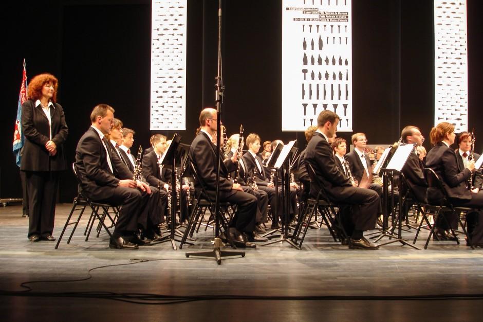 Das Blasorchester Feldmusik Neuenkirch kurz vor ihrem Auftritt im Luzerner Saal des KKL Luzern.