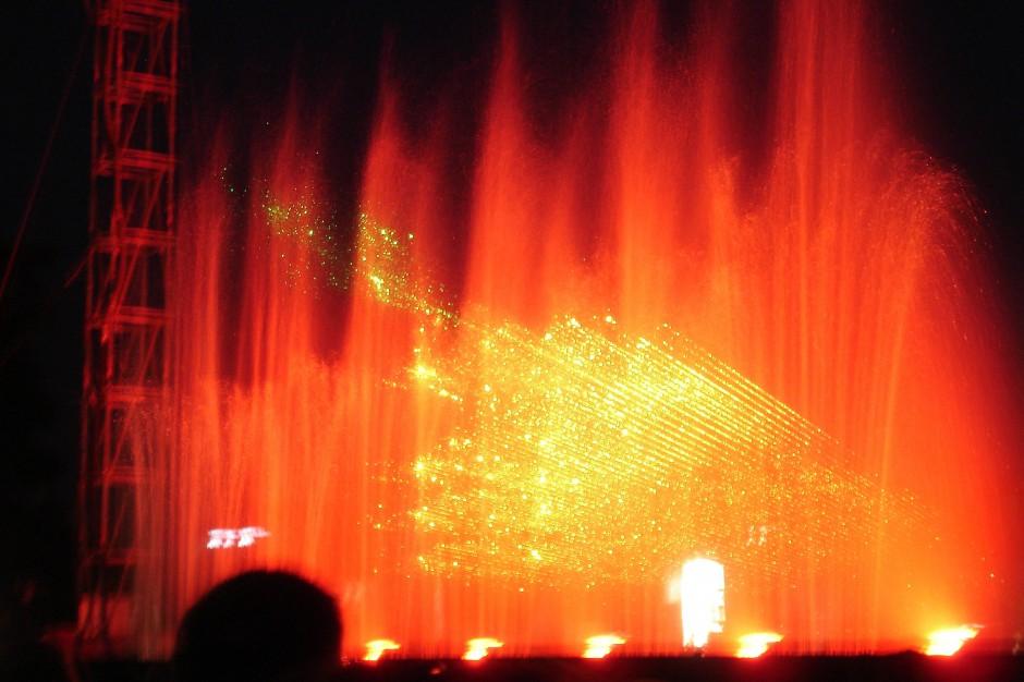 Licht- und Wasserspiele während des Musikfestes in Luzern.