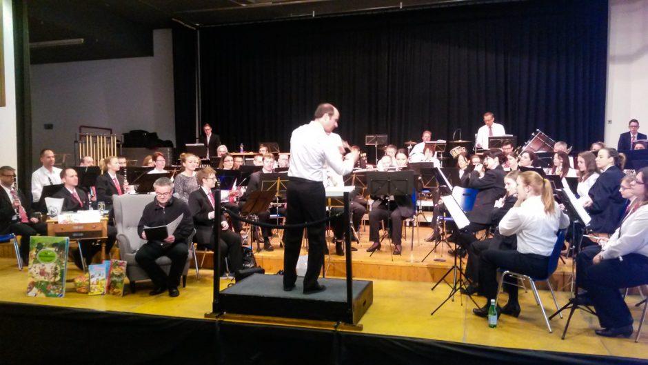 Blasorchester Feldmusik Neuenkirch unter der Leitung von Roger Meier