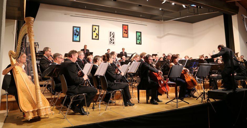 Blasorchester Feldmusik Neuenkirch unter der Leitung von Roger Meier (Foto: Geri Wyss, Sempacher Woche)