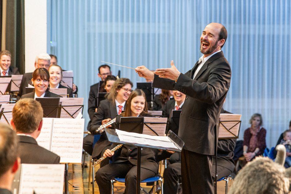 Blasorchester Feldmusik Neuenkirch unter der Leitung von Roger Meier (Foto: Roman Beer)